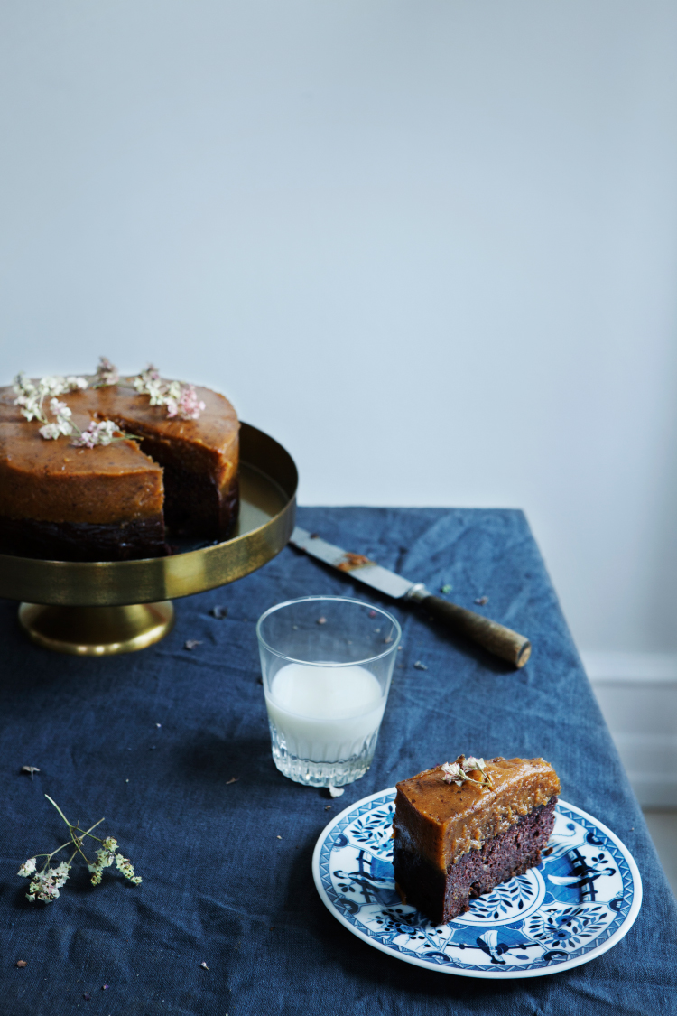 Chocolate Pumpkin Cake by Modern Wifestyle