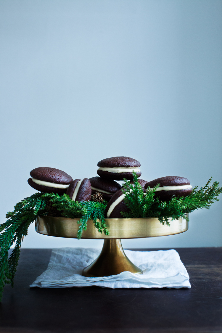 Christmas Whoopie Pies with Chocolate, Orange and Rosemary. #modernwifestyle