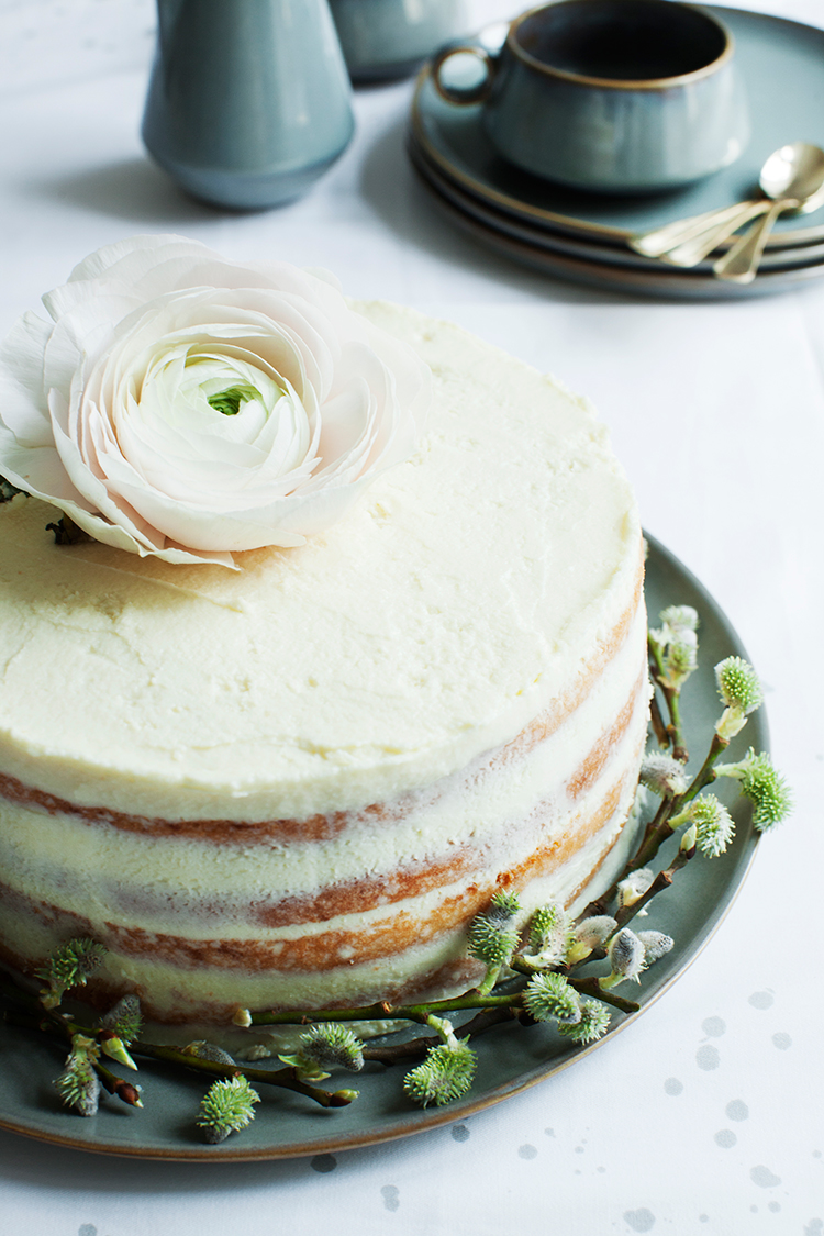 Lemon Cake with Marzipan with White Chocolate Mascarpone Frosting #recipe #modernwifestyle
