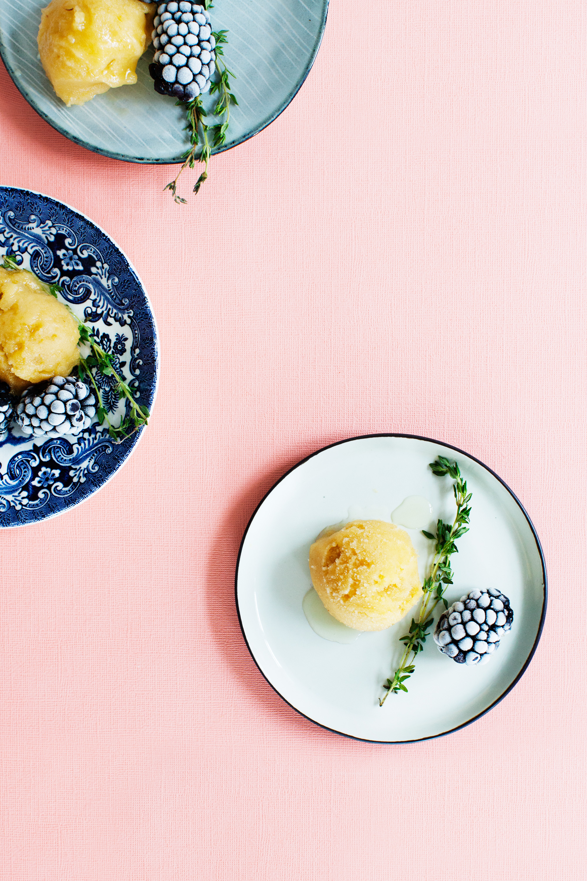 Peach and Ginger Sorbet with Thyme Syrup from Modern Wifestyle #summer #recipe