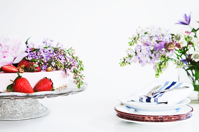Recipe: Skyr Cake with Raw Bottom Layer
