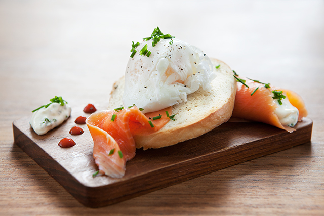 Bagel with Smoked Trout